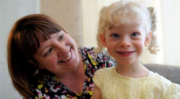 Williams syndrome ควรทำอย่างไรให้เด็กเข้าสังคมได้โดยที่เขาไม่คิดว่าอยู่ตัวคนเดียว